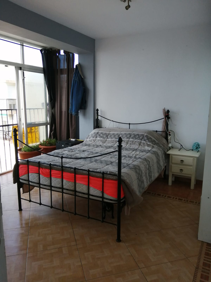 Apartamento Planta Media en venta, Calahonda – R3475735