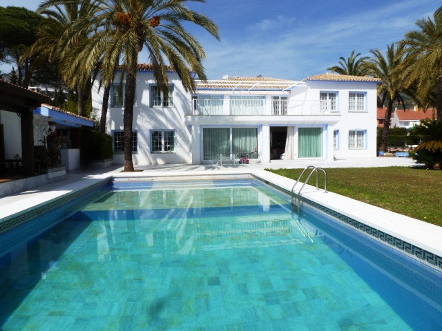 Magnificent villa very close to the new bus station in Marbella.. The property comprises of 2 buildi, Spain