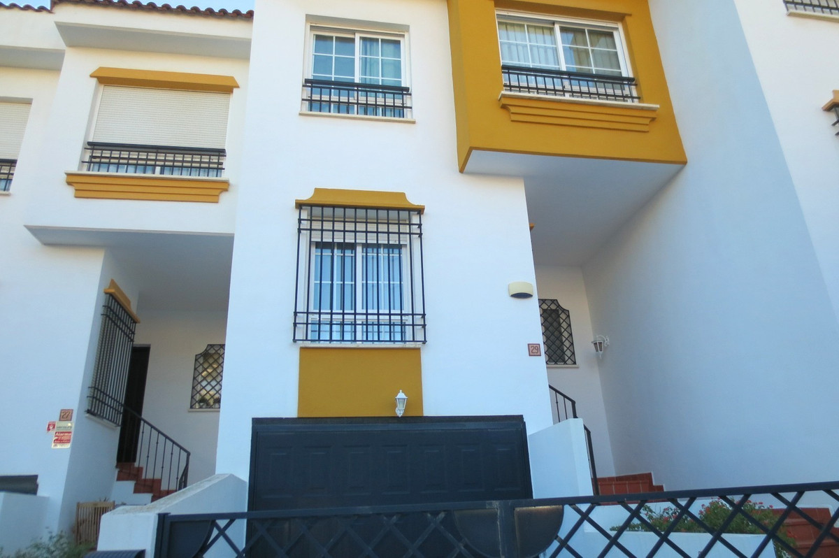 FANTASTIC TOWNHOUSE CLOSE TO TORREMUELLE ONLY 300 MTS TO THE SEA . WALKING DISTANCE TO SHOPS, PUBLIC, Spain