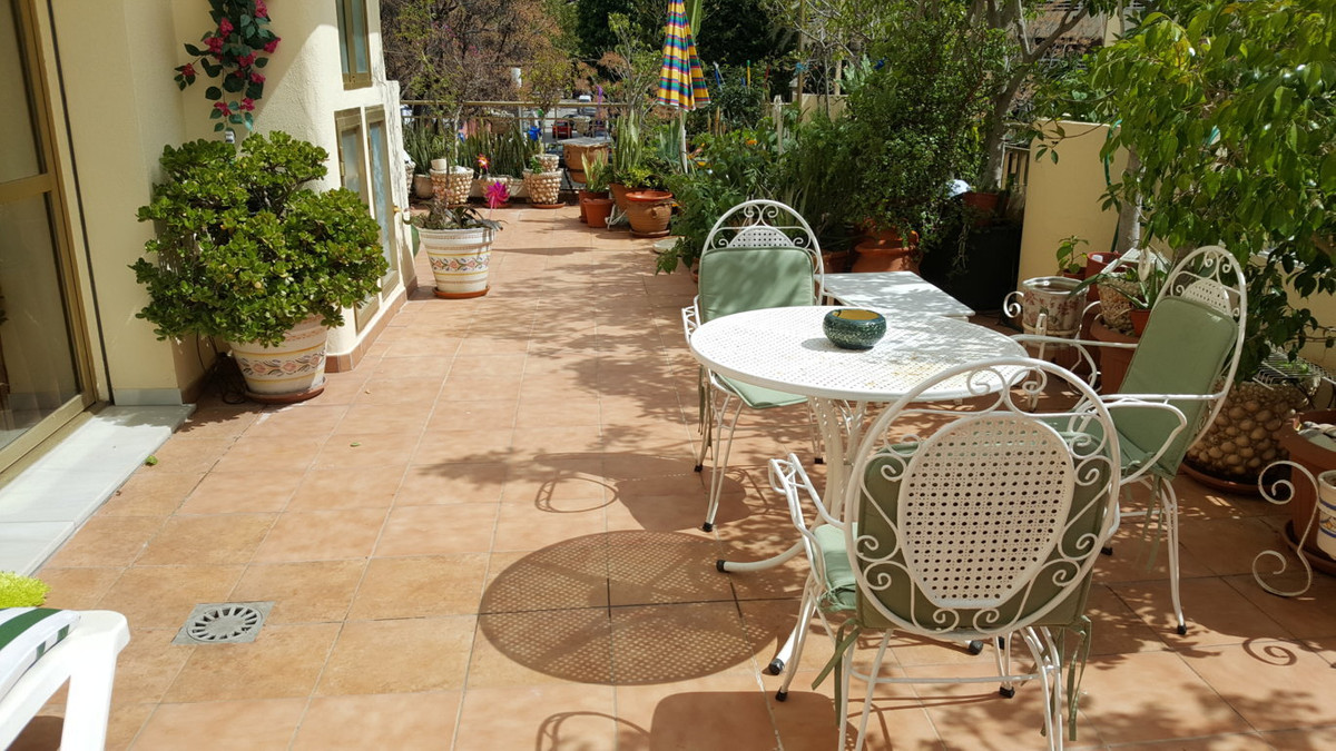 Fantastic corner apartment located in the heart of Marbella Center. South and east facing. Beach sid,Spain