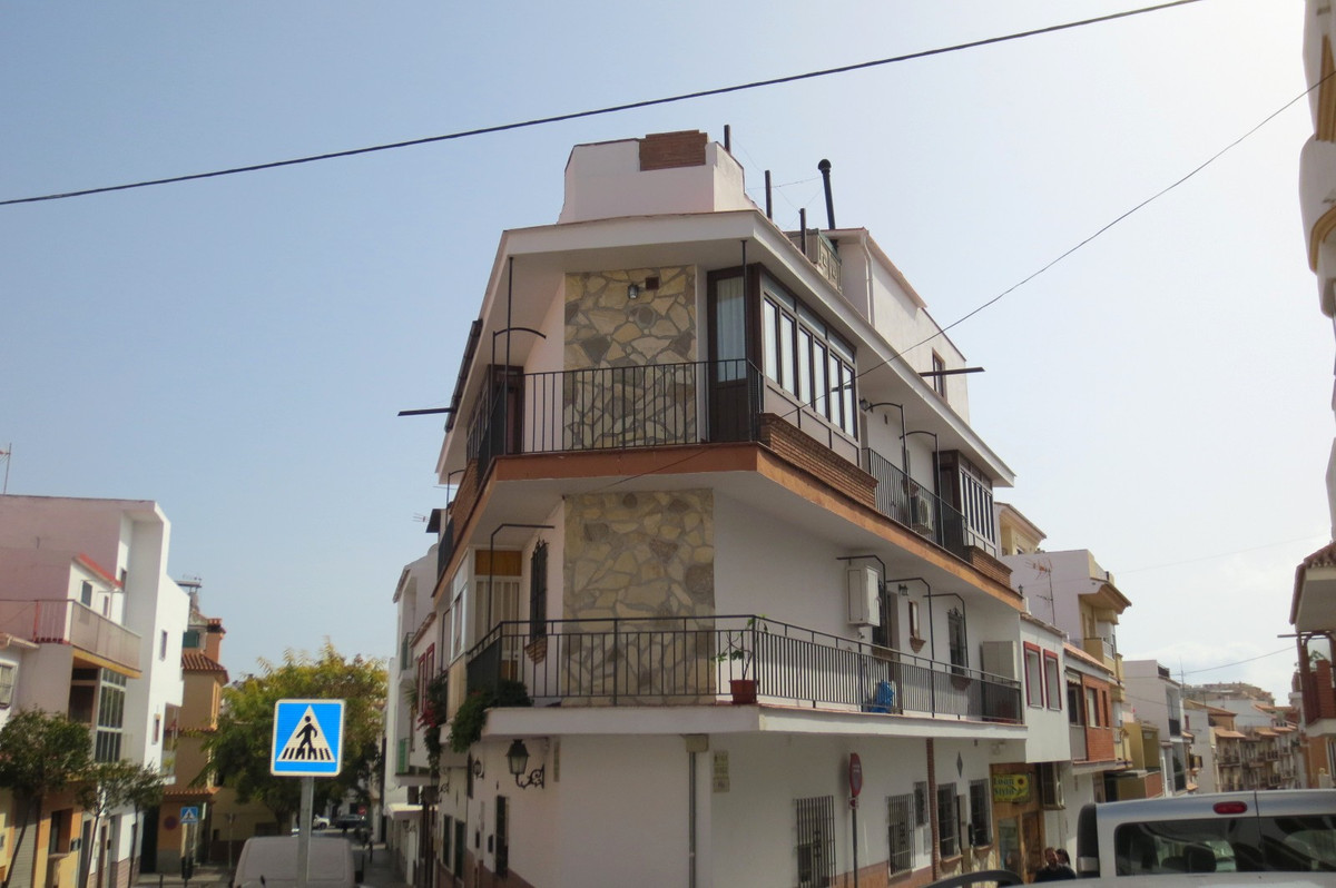 Lovely 3 bedrooms 2 bathrooms (1 of them ensuite) located in las lagunas, close to all amenities, pu,Spain