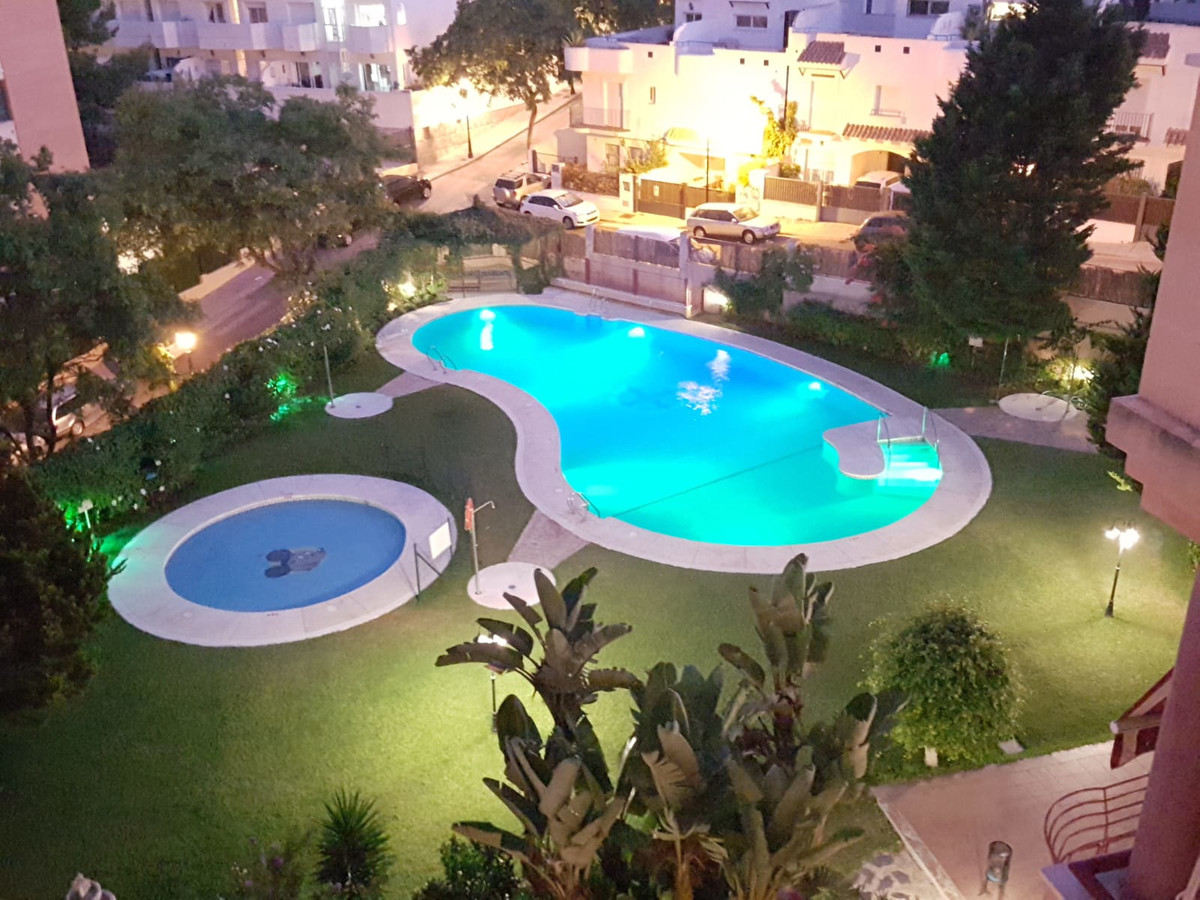 Beautifull apartment in the Maimonides Building. It consists of 2 bedrooms, 2 bathrooms (1 ensuite),, Spain