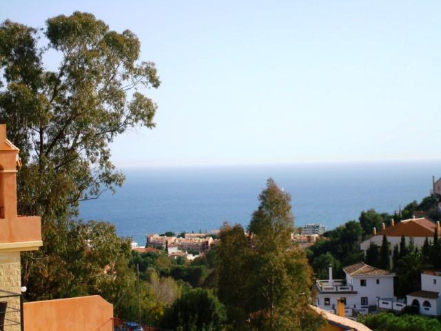 Semi-Detached House, Torreblanca, Costa del Sol. 4 Bedrooms, 4 Bathrooms, Built 193 m², Terrace 50 m,Spain