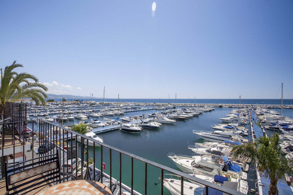 1-bed-Penthouse Apartment for Sale in Puerto Banús