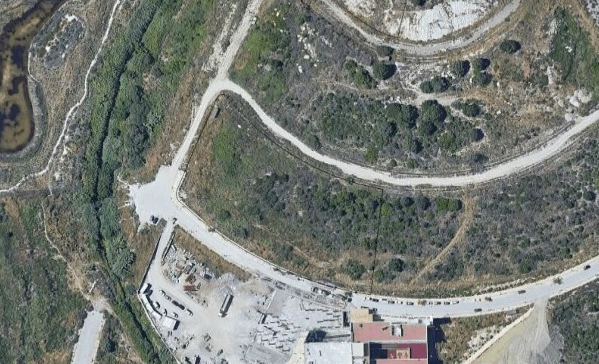 0-bed-Commercial Plot for Sale in Calahonda