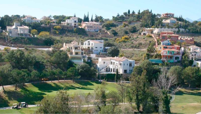 0-bed-Residential Plot for Sale in Elviria