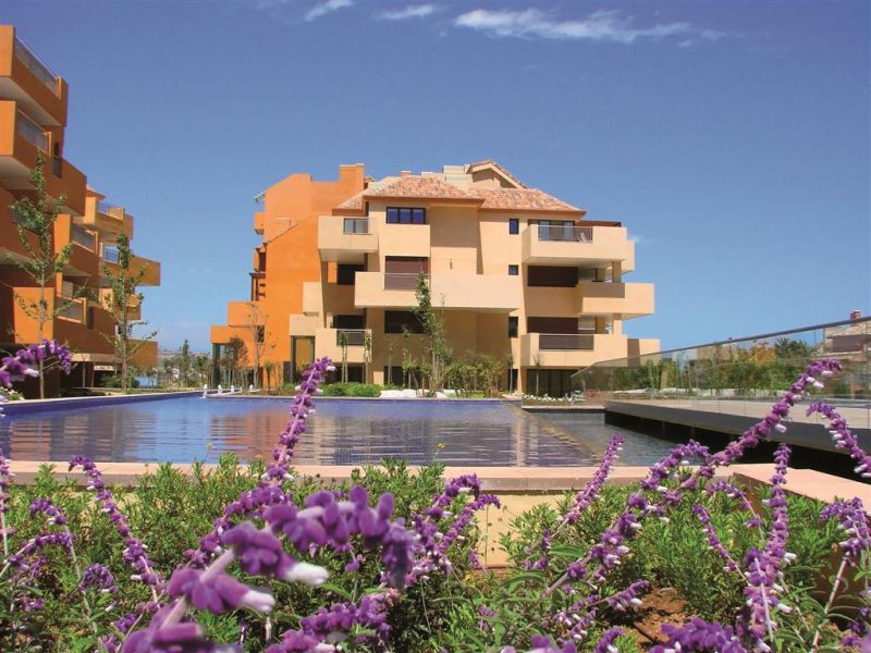 2-bed-Middle Floor Apartment for Sale in Sotogrande Marina