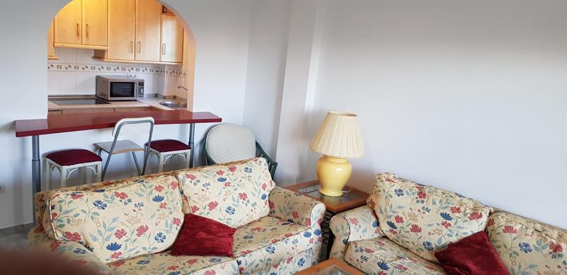 Marbella Banus Apartamento Planta Media a la venta en El Faro – R3337624