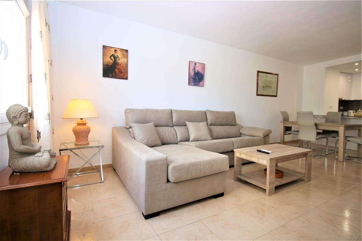Apartment Middle Floor Estepona Málaga Costa del Sol R3728200 2