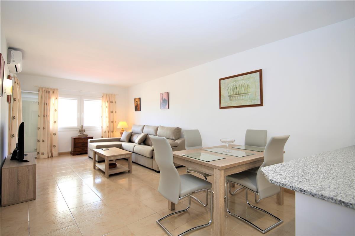 Apartment Middle Floor Estepona Málaga Costa del Sol R3728200 3