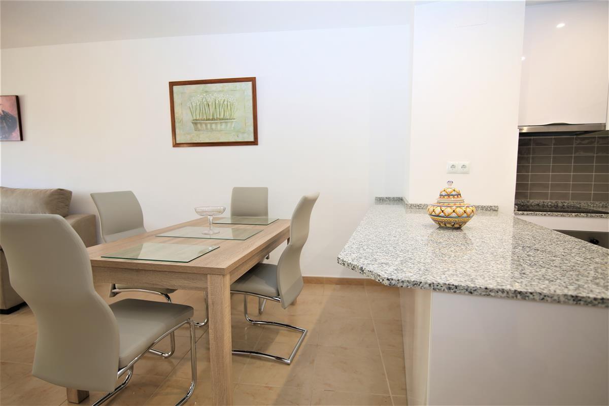 Apartment Middle Floor Estepona Málaga Costa del Sol R3728200 6