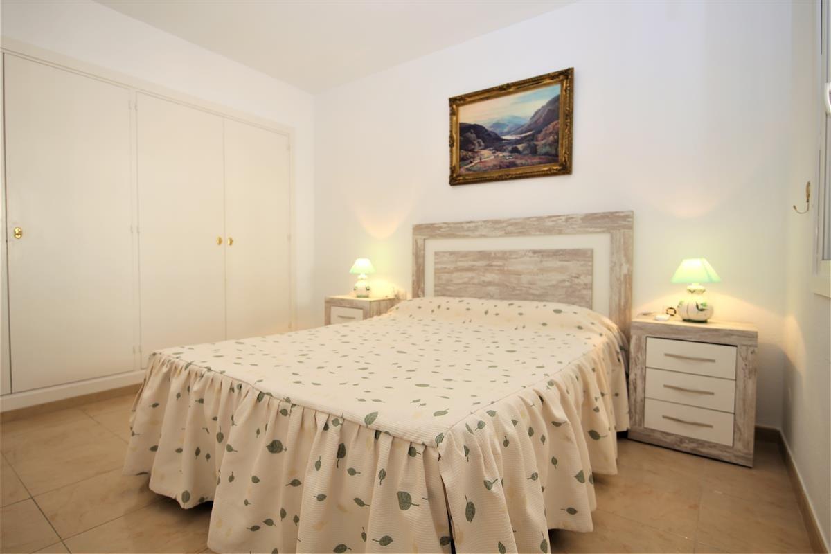Apartment Middle Floor Estepona Málaga Costa del Sol R3728200 9