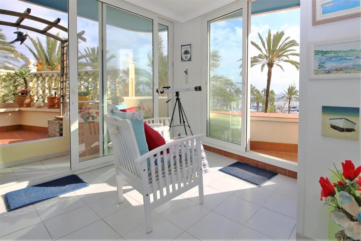 This bright and spacious one bedroom apartment, located in the heart of Estepona port offers a good , Spain