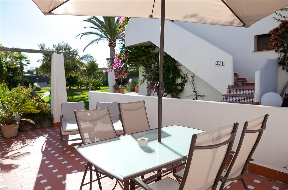 This fantastic large studio apartment is located on the ground floor in the Naturist Resort of Costa, Spain