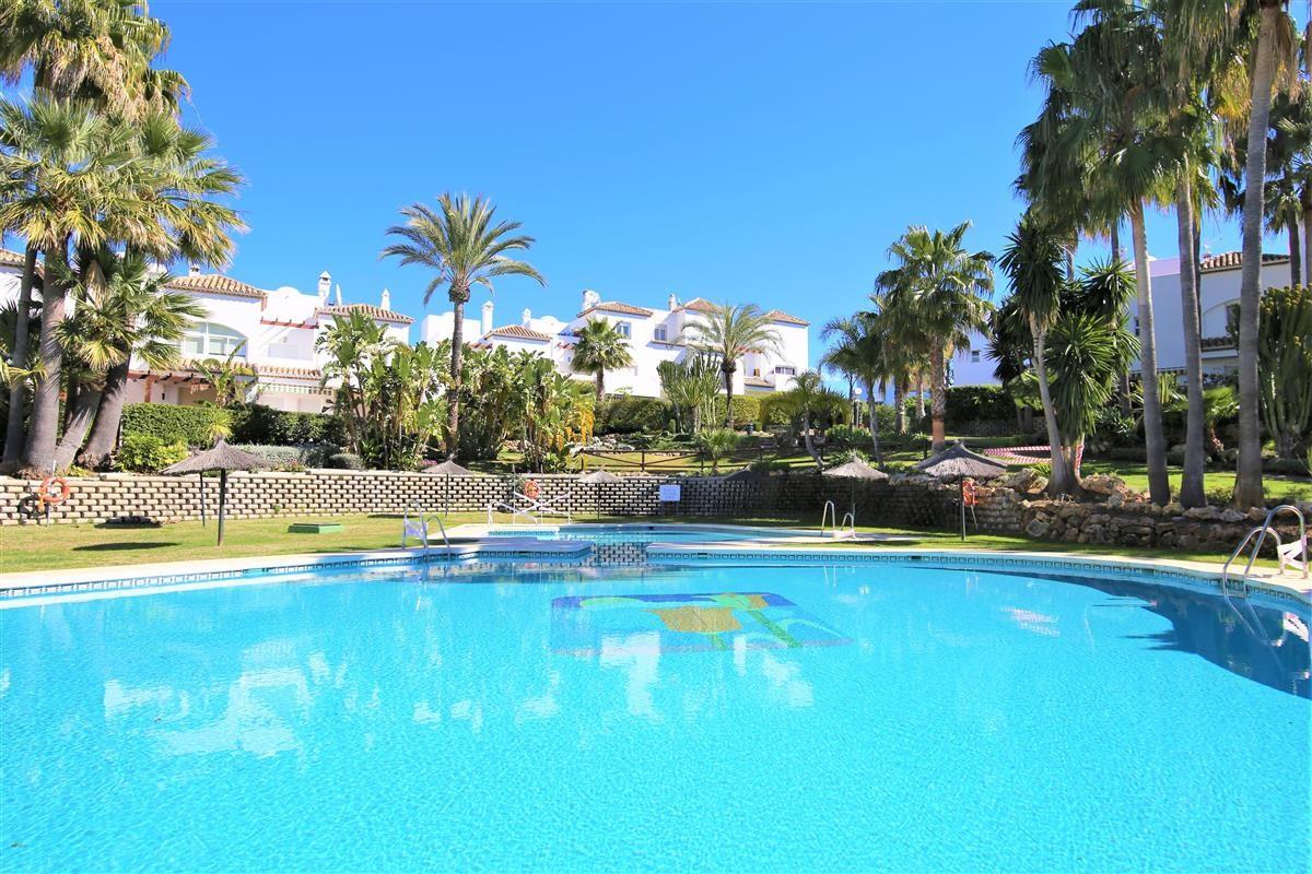 House - Estepona - R3613403 - mibgroup.es
