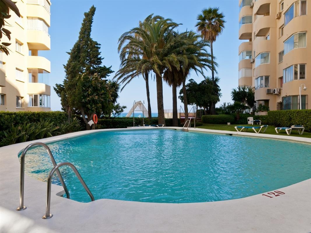 This is a very modern and beautifully presented apartment in Estepona marina, offering one double an,Spain
