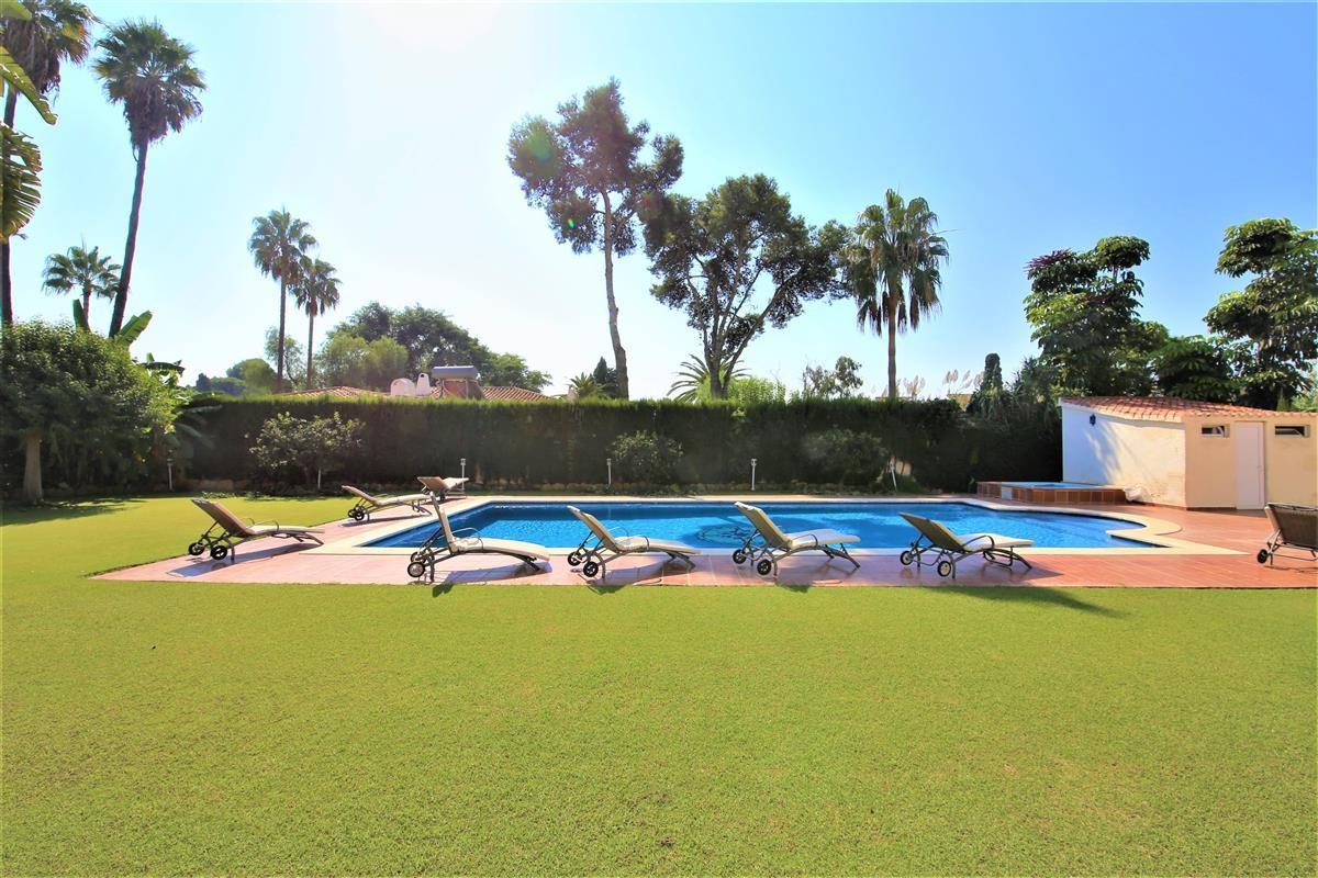 Villa Detached Estepona Málaga Costa del Sol R895269 2
