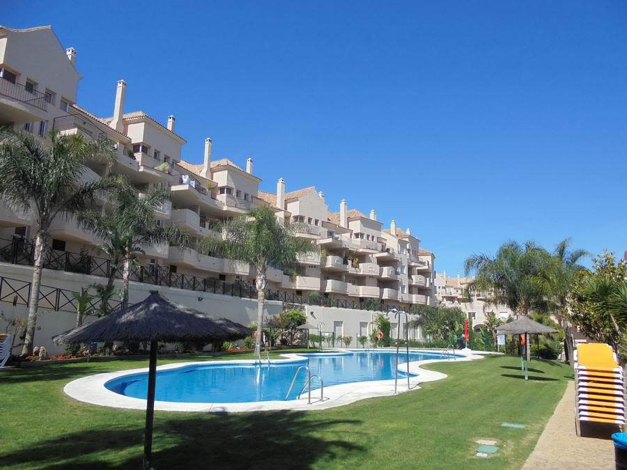2 bed Apartment for sale in La Duquesa