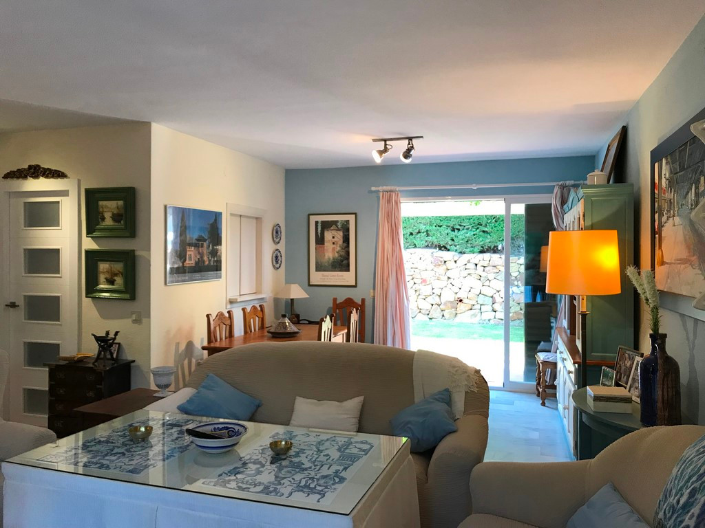 3 bed Townhouse for sale in Estepona