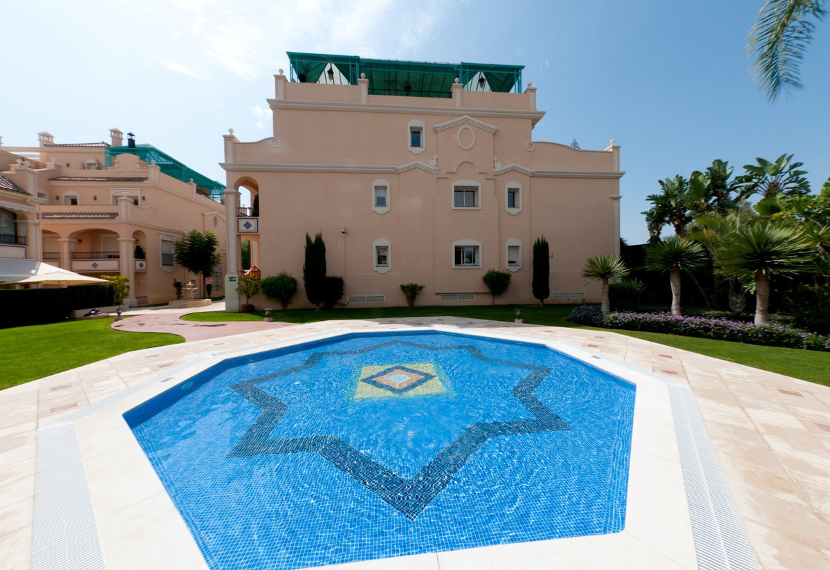 4 bed Apartment for sale in The Golden Mile