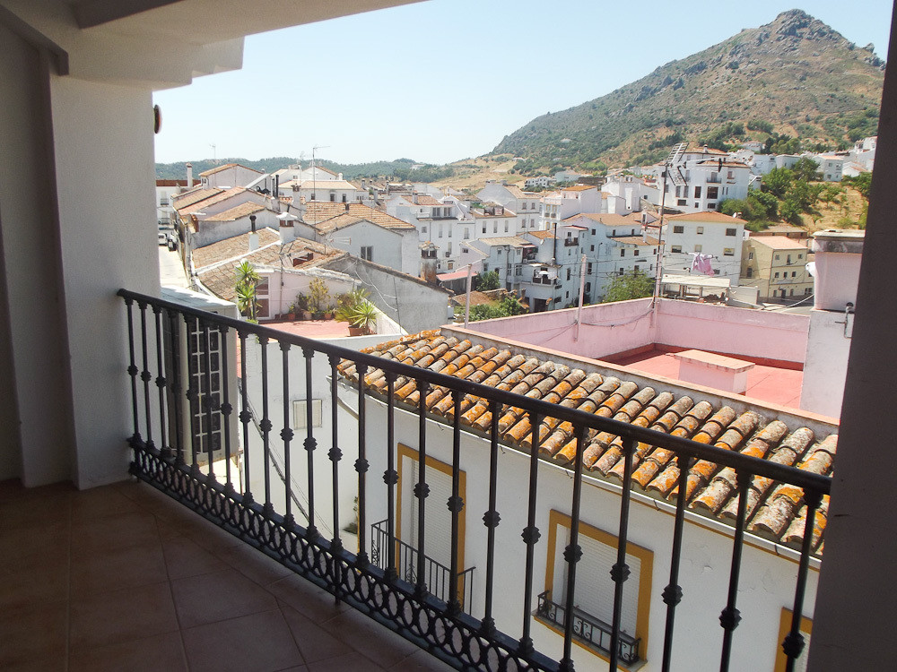 3 bed Townhouse for sale in Gaucín
