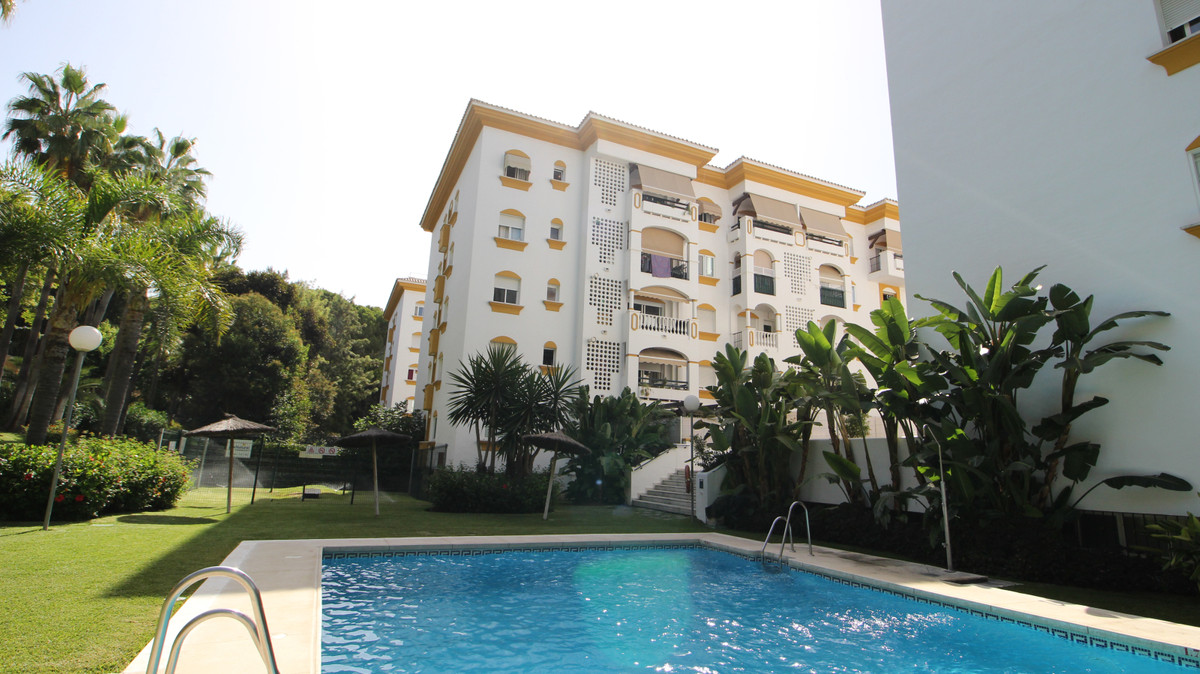 3 bed Penthouse for sale in Marbella