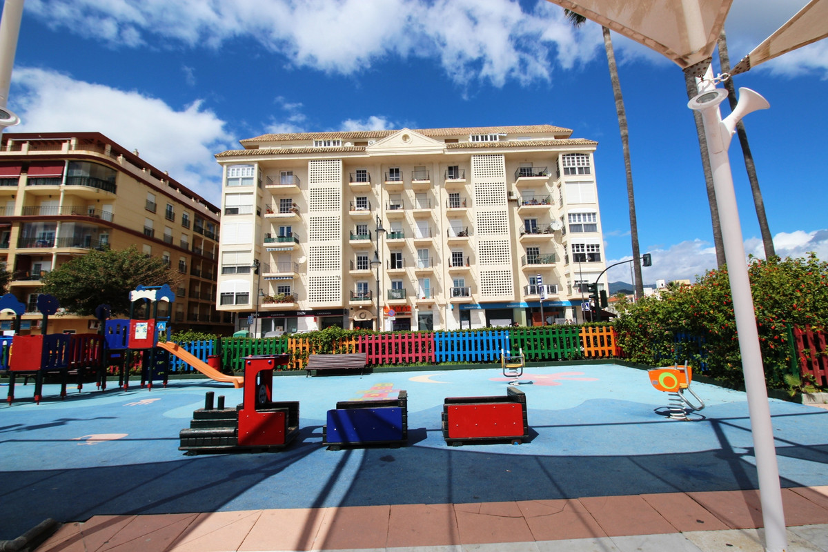 2 bed Apartment for sale in Estepona