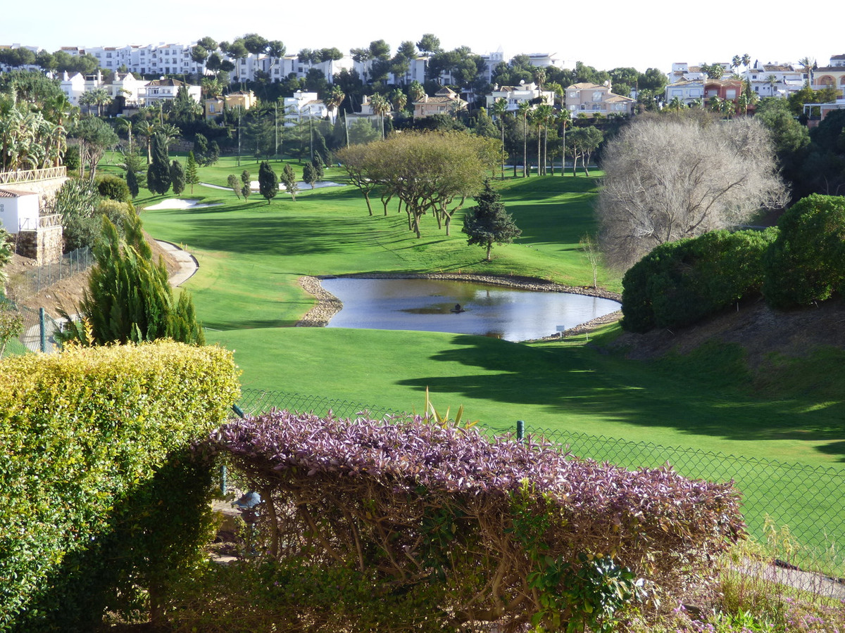 Apartments for Sale in Miraflores / Mijas | Sunshine Golf Properties ...