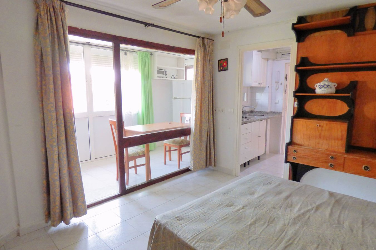Studio for sale in Calypso