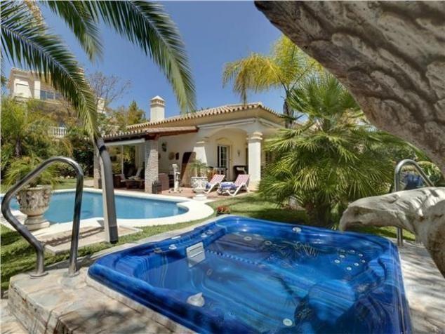 4 bed Villa for sale in Marbella