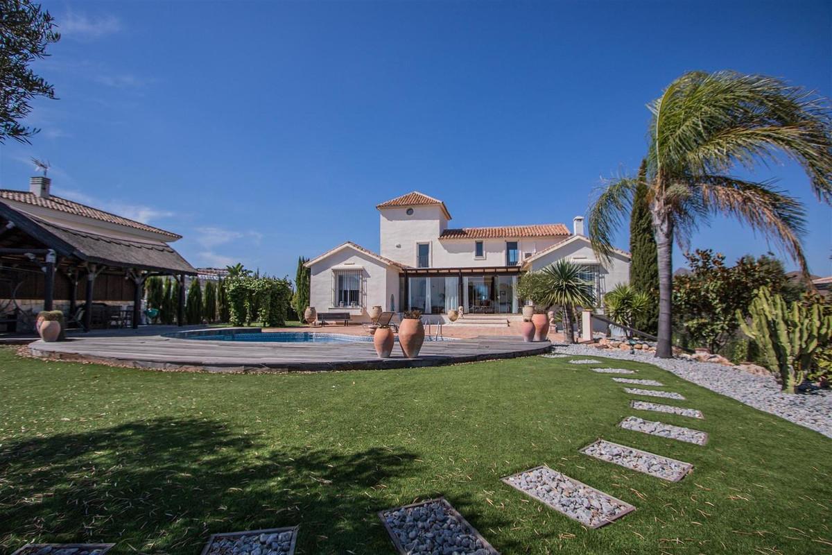 4 bed Villa for sale in La Mairena