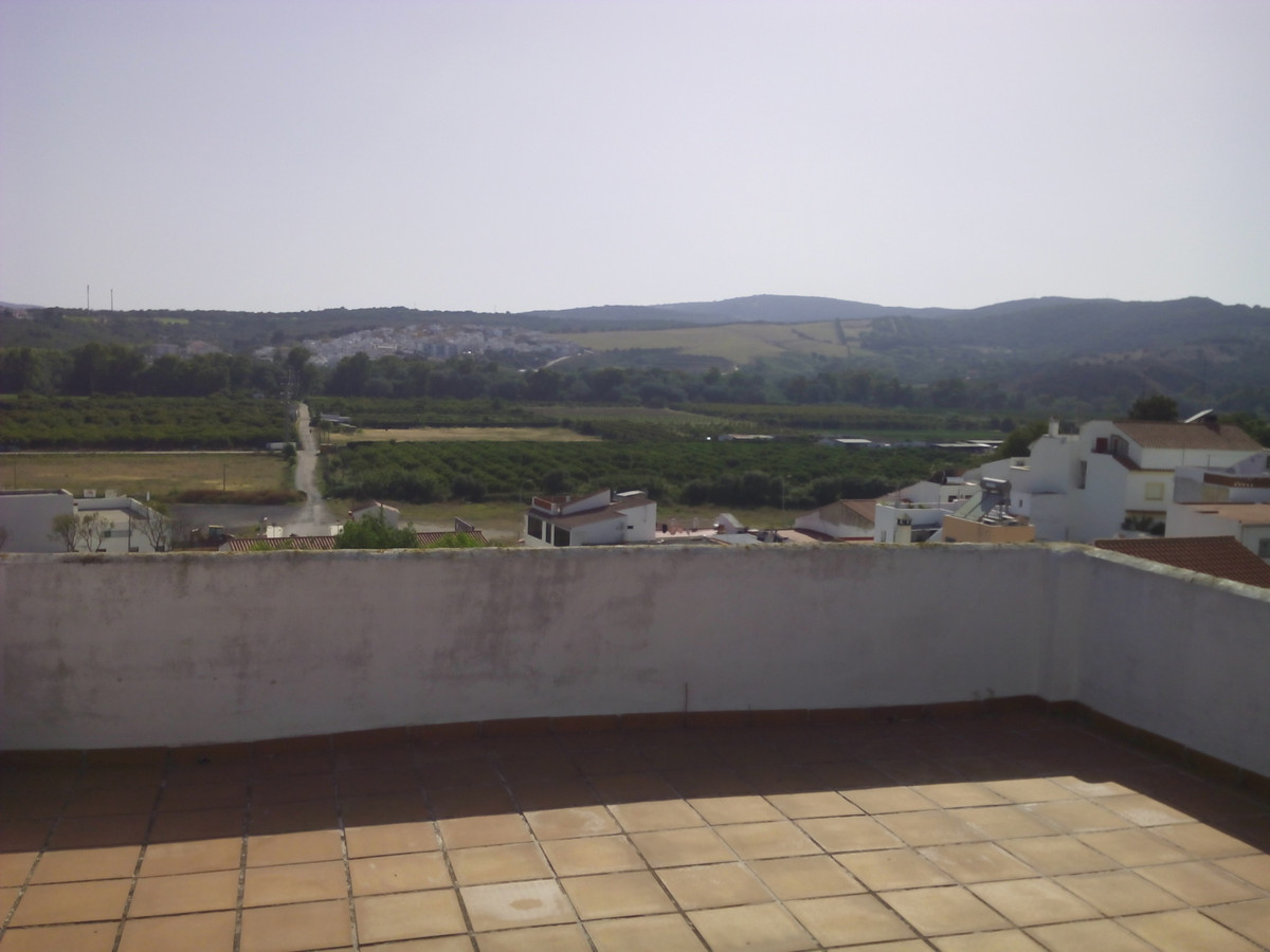 3 bed Townhouse for sale in Guadiaro