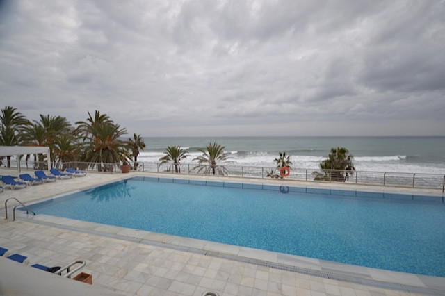 2 bed Apartment for sale in Marbella