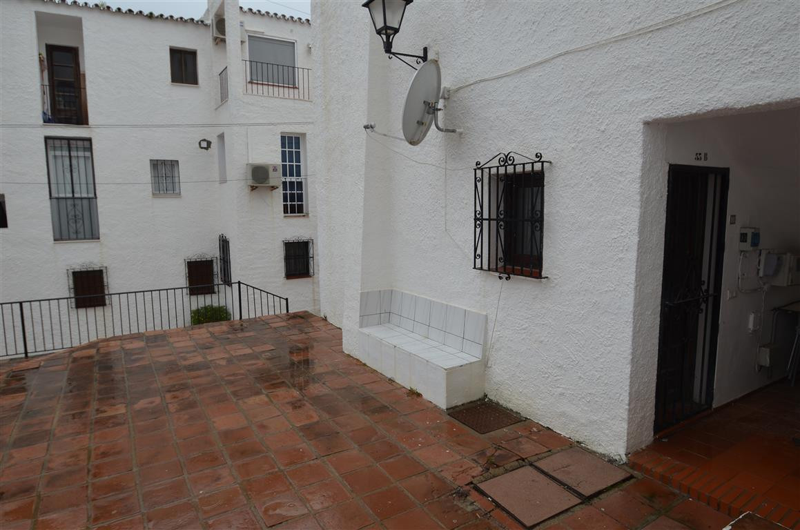 1 bed Apartment for sale in San Luis de Sabinillas