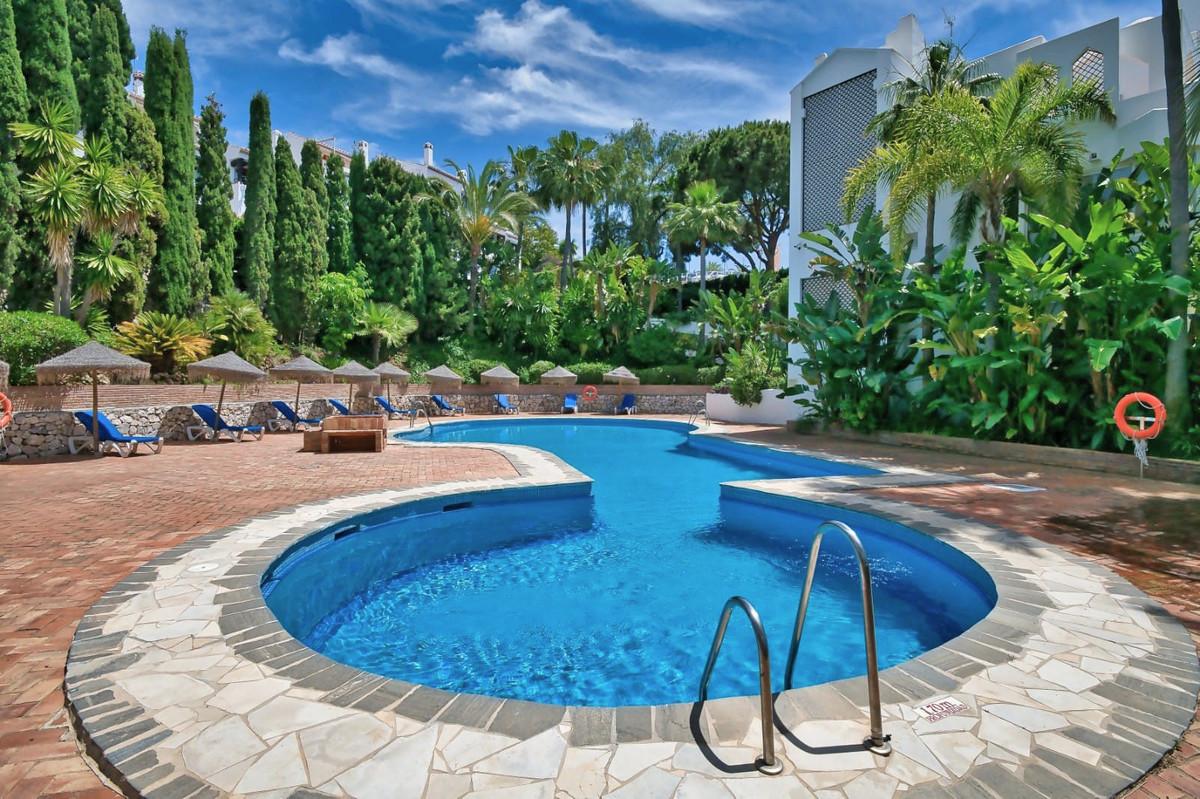 Marbella Banus Apartamento en Venta en Marbella – R3789355