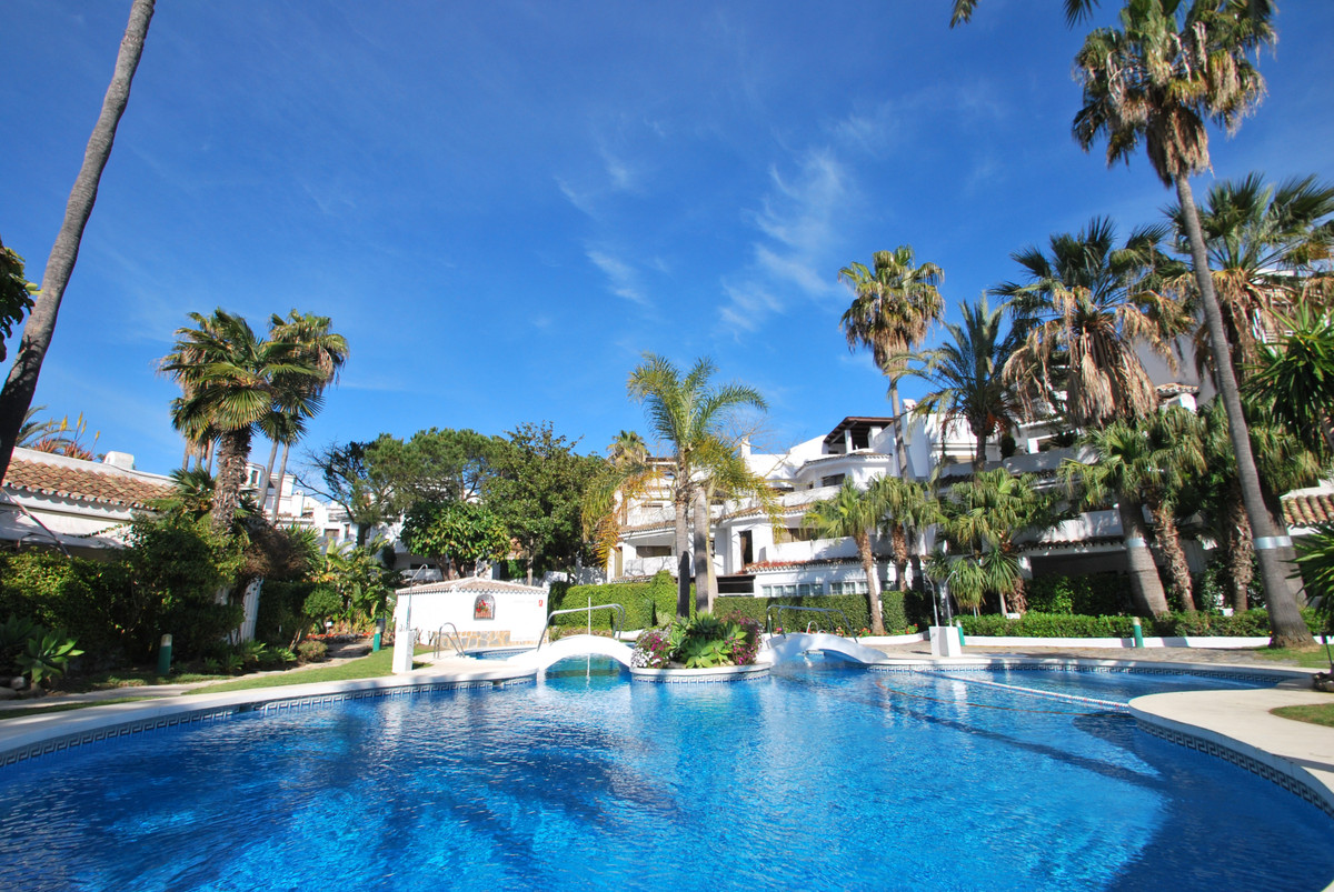 The cheapest 3 bedroom unit in an exclusive apartment complex right next to the lovely beaches of El,Spain