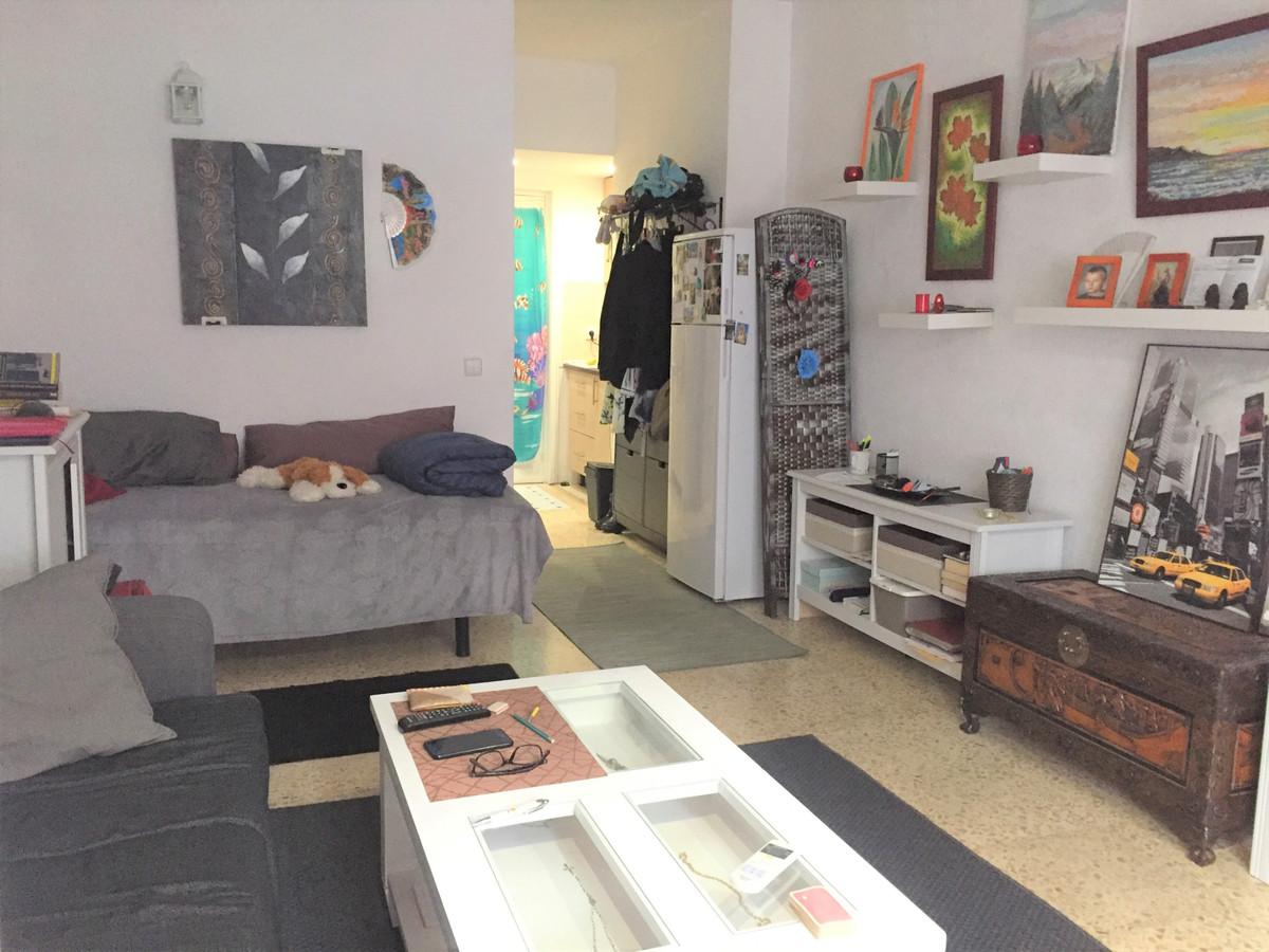 Estudio Planta Media 1 Dormitorio(s) en Venta Torremolinos