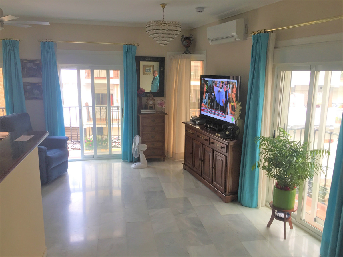 Large and bright Top-floor apartment in the centre of Arroyo de la Miel, Benalmadena. Was before a 2,Spain