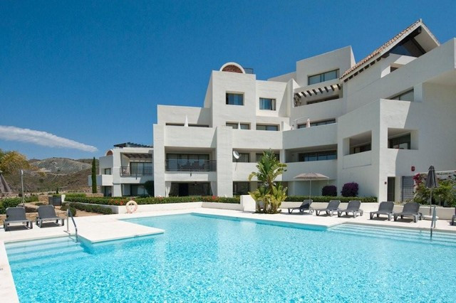 A spacious two bedroom ground floor apartment in Tee5,  nestling within the prestigious Los Flamingo,Spain