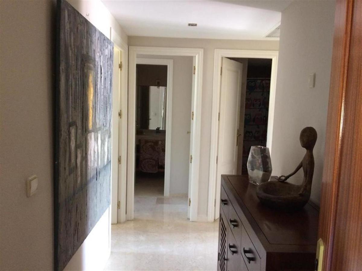 Apartamento Planta Media en Venta en Costalita – R3617879