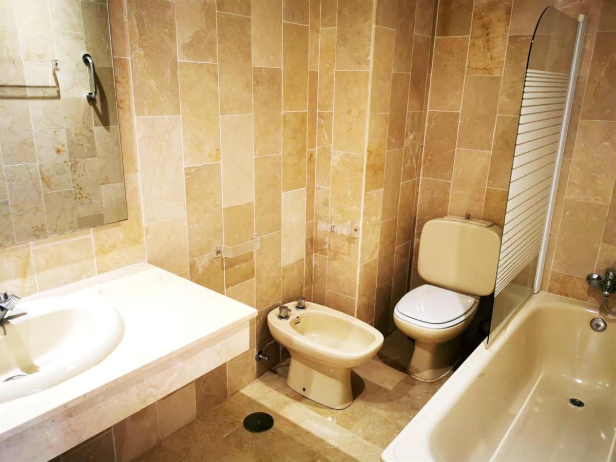 Apartamento en Venta en Nueva Andalucía – R3906478