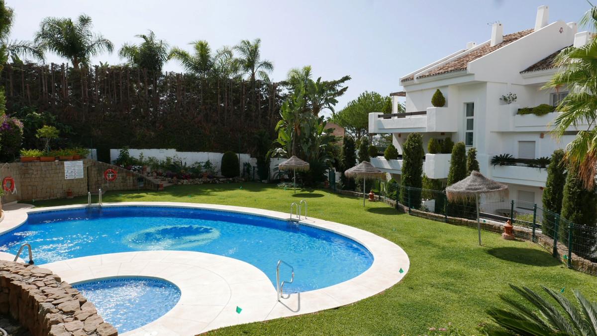 Apartamento Planta Baja en Venta en Nueva Andalucía – R2875064