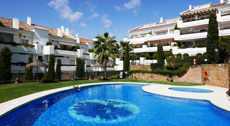 Apartamento Planta Baja, Nueva Andalucía – R2875064