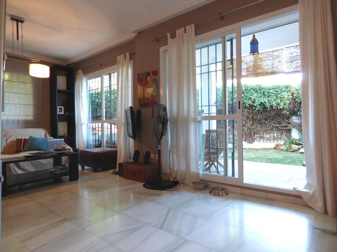 Apartamento en Venta en Nueva Andalucía – R2538098