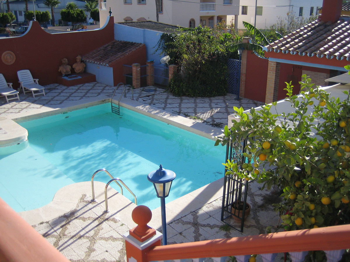 Magnificent and bright villa with pool on two linked plots.Located in a residential area at the exit,Spain