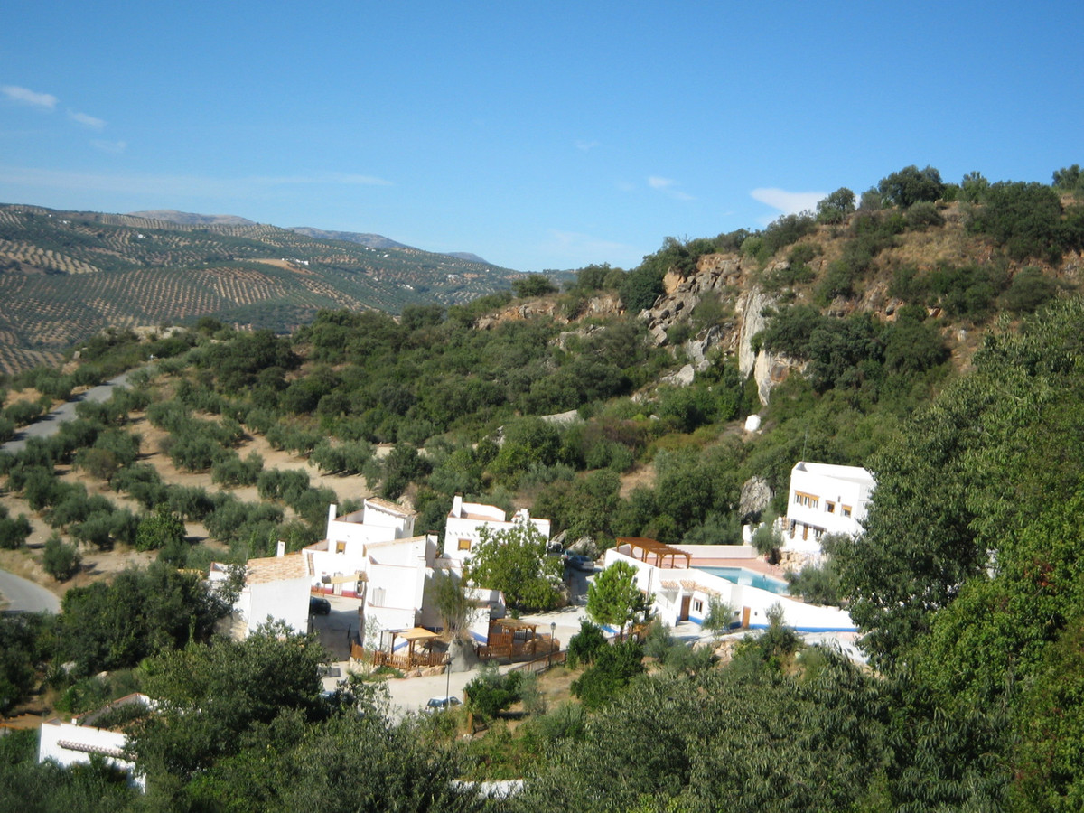 You are buying a registered SL company with the entire complex included. Price is negotiable. An inp,Spain