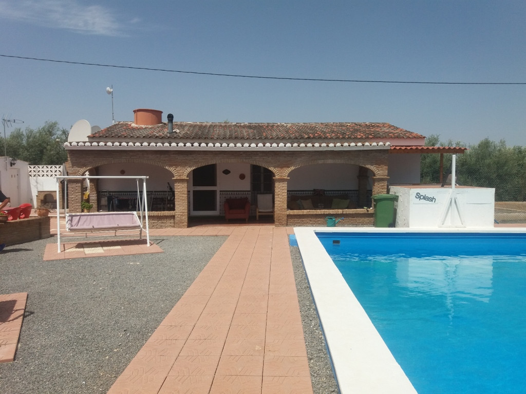 3 Villas, Large Barn/store, Pool, Bar, Cattery all on one property. Great Business potential.   Loca, Spain