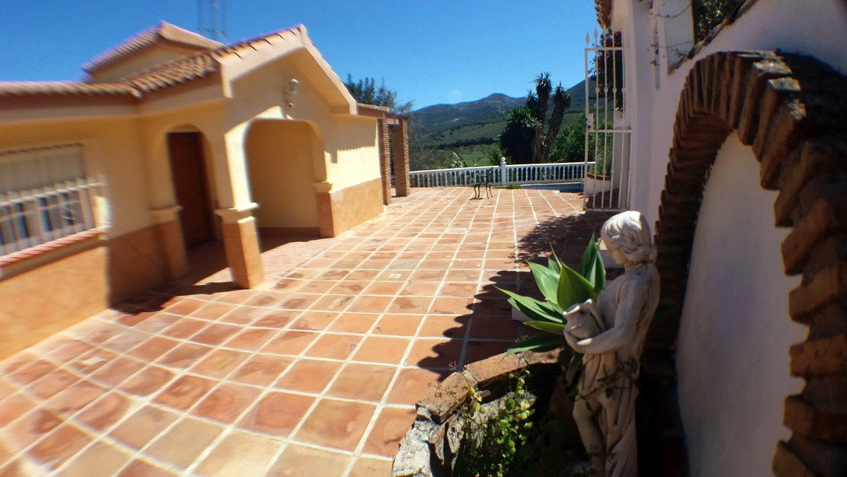 House in Alhaurín de la Torre R3165241 32
