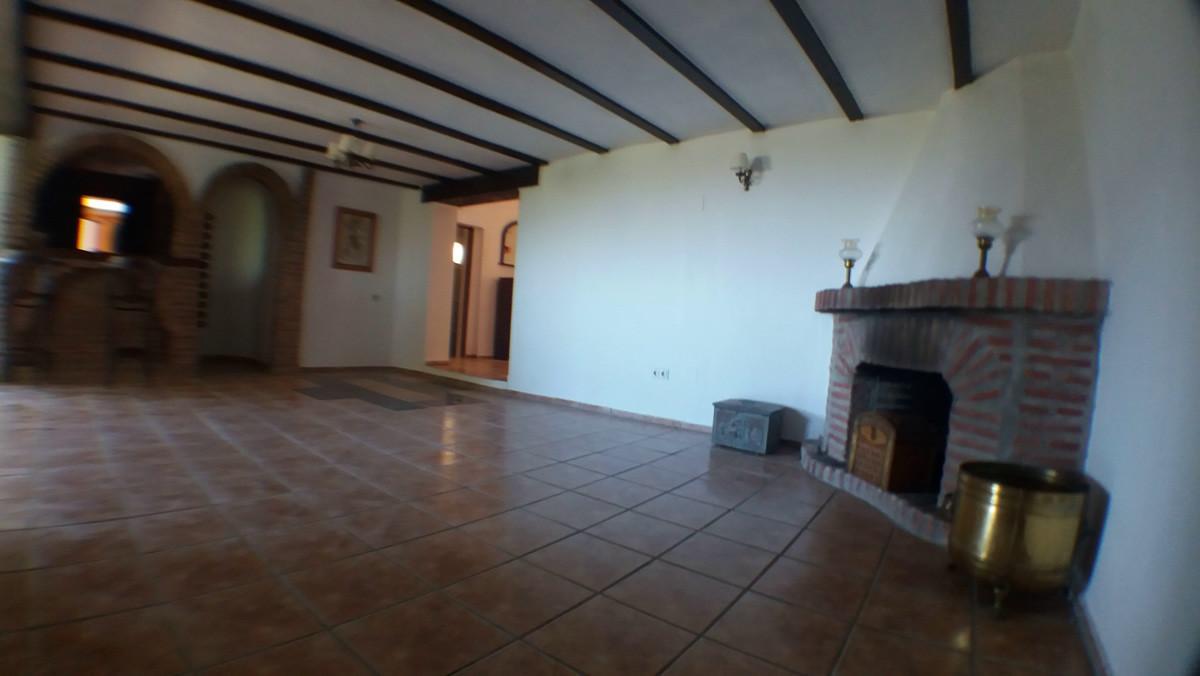 House in Alhaurín de la Torre R3165241 4