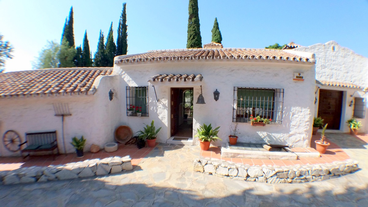 An extensive and flexible piece of Real Estate in Campo de Mijas/ El Coto.  The Property Has Over 50, Spain